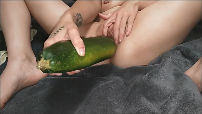 [Full HD] Fisting Milf Giant Zucchini Fuck Mom S Solo Pov - RevenantnClitina - -00:12:08 | Mature, Solo Female, Young - 282,9 MB