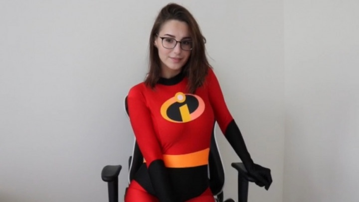 Sadbaffoon Give Mrs Incredibles A Facial
