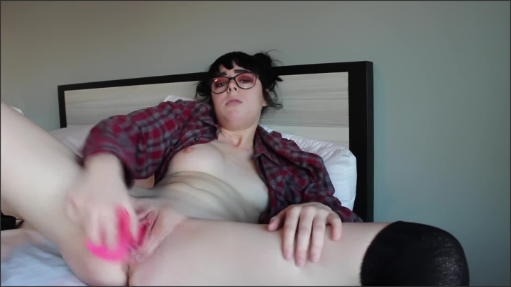 [Full HD] Sage S First Dildo - Sage Daniels - - 00:09:10 | Solo Female, Toys, Alternative Girl - 114,2 MB