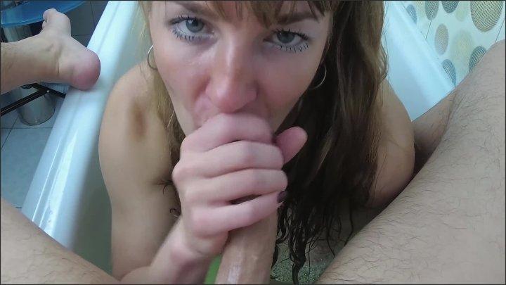 [Full HD] Slutty Milf Sucks Dick And Swallows Cum In The Bathroom Amateur Blowjob - Sasha Bikeyeva - - 00:08:59 | Blowjob, 60Fps - 337,2 MB