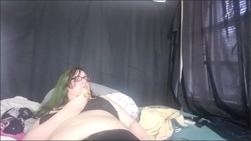[Full HD] Trans Girl Licks Pizza Like She Ll Lick Your Fat Cock  - Scarlet Death - -00:10:02 | Witchy, Exclusive, Punk - 149 MB