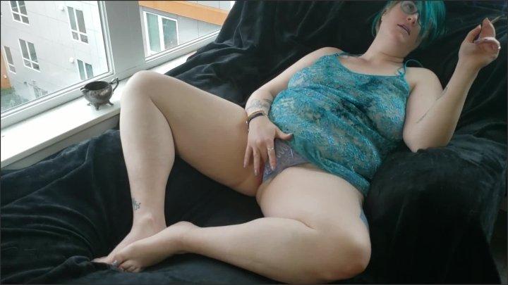 [Full HD] Jazz And Jazz Cabbage Ganjagoddess69 Touches Herself While She Smokes - Seattle Ganja Goddess - - 00:10:06   Big Tits, Ganjagoddess69 - 273,2 MB