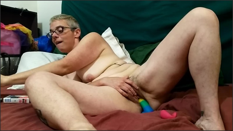[HD] Shantastic Hairy Milf Teasing Smoking Squirting On Her Rainbow Dildo - Shantastic Munkey - -00:09:27 | Rainbow Dildo, Squirt - 98,9 MB