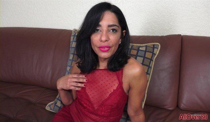 [Full HD] Amelia Belle - Mature Pleasure 22.07.20 Amelia BelleModels Age: 47 - SiteRip-00:12:06   Posing, Small Tits - 1,2 GB