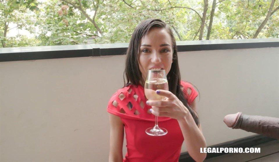 [HD] Destroying &Amp; Degrading Nataly Gold IV201 Nataly Gold, Joachim Kessef, Tony Brooklyn, Max Rajoy, Darnell Black - SiteRip-00:54:28 | Gangbang, Dap, Interracial - 1,7 GB