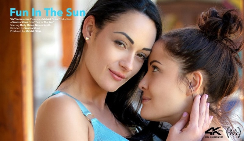 [4K Ultra HD] Dolly Diore &Amp; Nicole Smith - Fun In The Sun - Dolly Diore &Amp; Nicole Smith - SiteRip-00:21:59 | Brunette, Breasts, Outdoors - 5,6 GB
