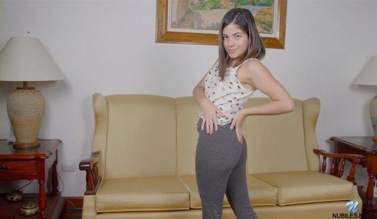 [Full HD] Melanie Lobo - Melanies Moves 24.07.20 Melanie Lobo - SiteRip-00:10:01 | Medium Boobs, Fair Skin - 374,6 MB