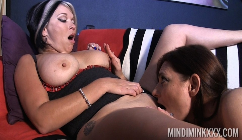 [Full HD] Melissa Dawson &Amp; Mindi Mink - In Kissing &Amp; More With Melissa Mix - SiteRip-00:09:15   Big Tits, Kissing, Pussy Licking, Orgasm, Big Ass, Lesbian, MILF - 684,2 MB