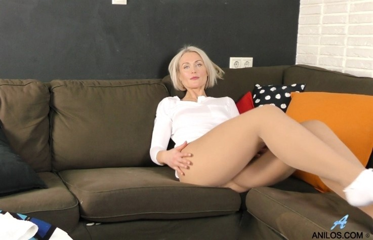 [Full HD] Nata - Pantyhose Play 16.07.19 Nata - SiteRip-00:18:29 | Small Tits, Solo - 1,8 GB
