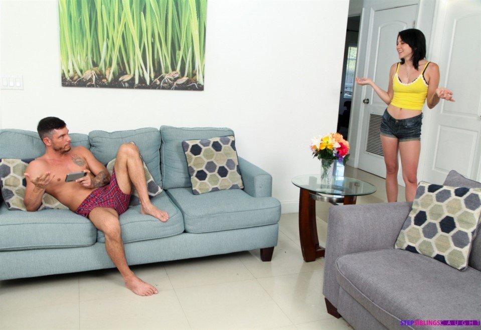 [Full HD] Riley Jean - Step Sis Wants A Bad Boy - Riley Jean - SiteRip-00:38:09 | Sloppy, Handjob, Blowjob - 2,4 GB