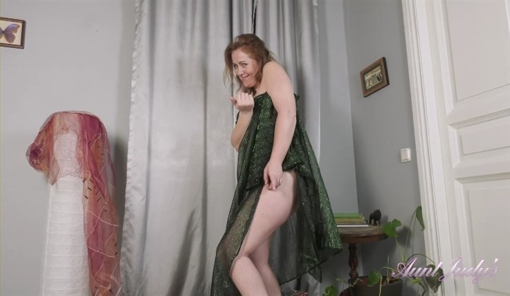 [Full HD] Valeria - Sensual Dance Tease &Amp; Fullbush Masturbation 24.06.20  Valeria - SiteRip-00:15:05 | MILF, Masturbation, Armpit Hair, Redhead, Over 40, Teasing, Fullbush, Mature And Hairy - 728,6 MB