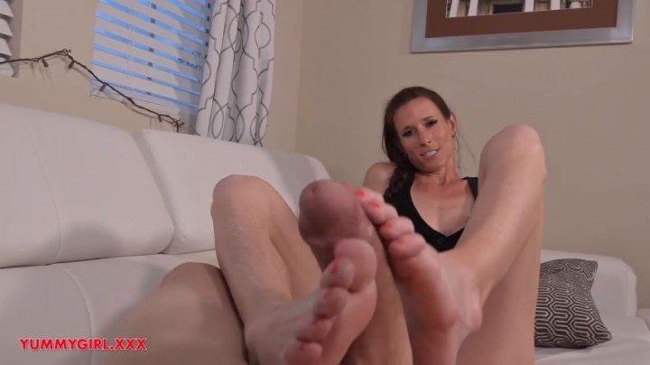 Sofie Marie Broken Hands Step Mom Foot Job 720P
