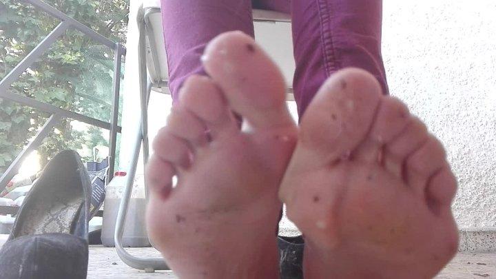 Spanish Hot Blondie Lick My Feet And Heels