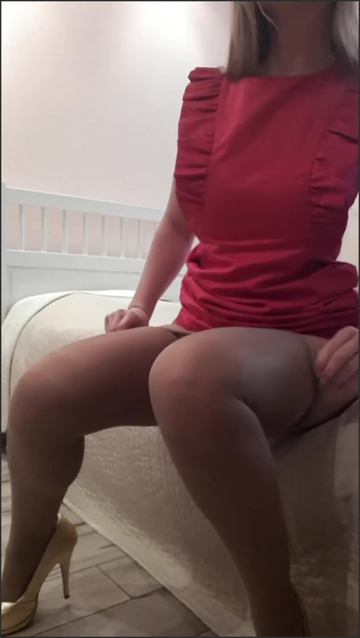 [SD] Naughty After Office Russian Accent - SpicyIren - - 00:08:08   Masturbation, Solo Female, Showing Off - 102,9 MB