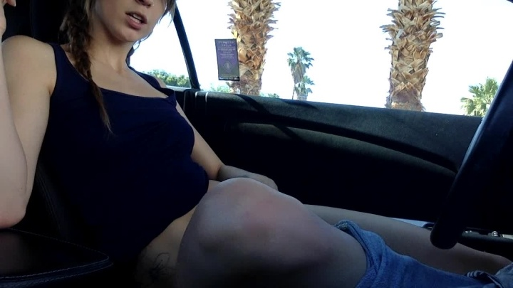 [HD] Stefaniejoy Cumming In My Car At Parents House - StefanieJoy - ManyVids - 00:06:38 | Pussy Slapping, Car Sex, Big Tits - 129,2 MB