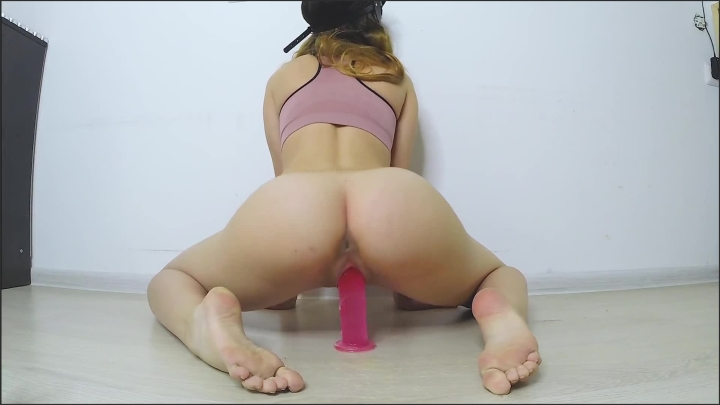 [Full HD] This Whore Rides Her Huge Dildo Perfect Body And Tight Wet Pussy - Sweetie Kitty - - 00:10:22 | Teen, Solo Female, Wet Pussy - 192,2 MB