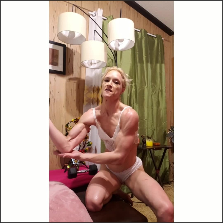 [SD] Flexing Biceps With Better Lighting - TQ Rica - - 00:23:32 | Female Abs, Amateur, Girls Flexing Biceps - 237,4 MB