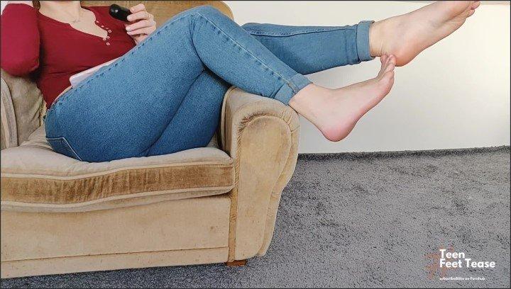 [Full HD] Goddess Soles Sexy Dirty Stinky Feet Tease - TeenFeetTease - - 00:06:05 | Feet, Verified Amateurs - 169,2 MB