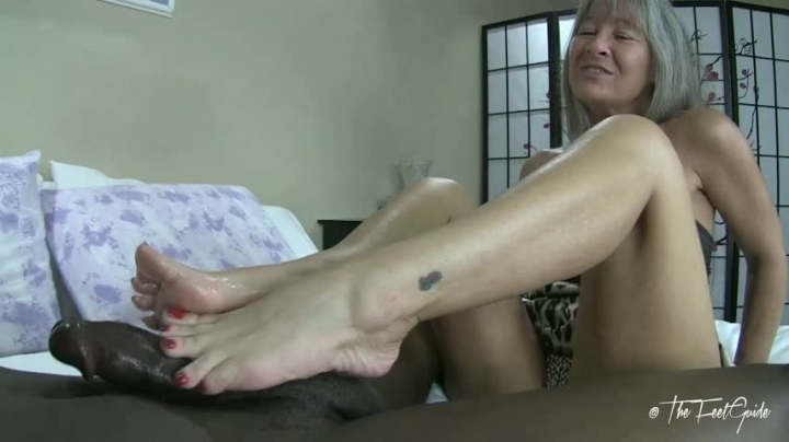 Thefeetguidetv Leilani S Red Toes At Work