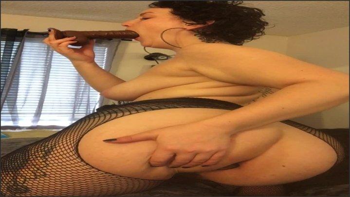 Thickii Nickii Shake That Ass While Sucking