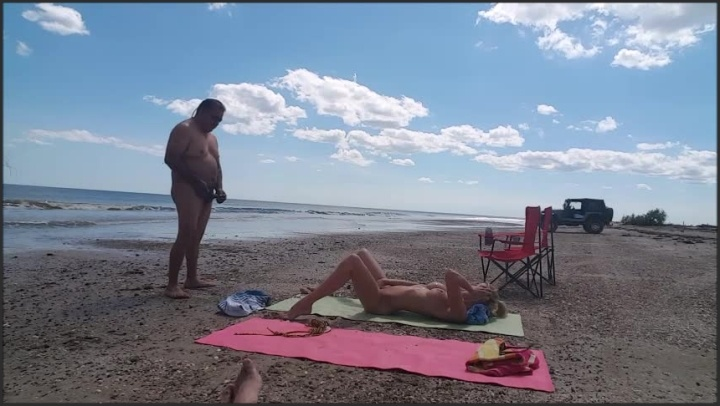 Beach Strangers Cumming On Me