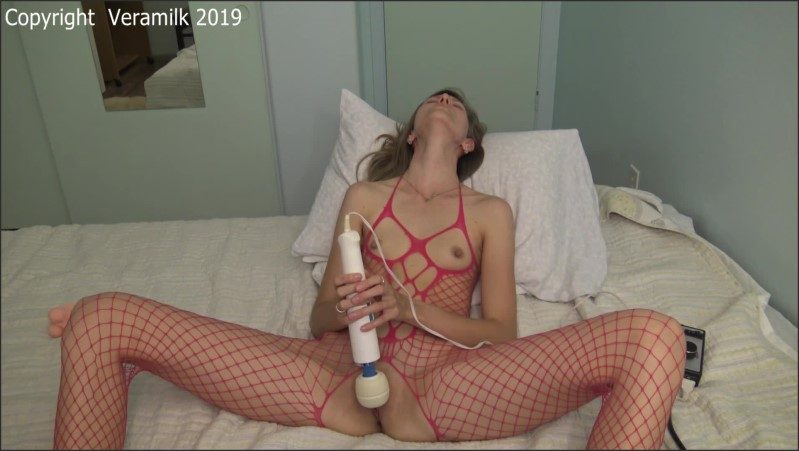 [Full HD] Webcam Girl In Crotchless Bodystockings Has A Long Real Hitachi Orgasm  - Vera Milk - -00:23:22 | Toys, Crotchless Panties - 826,9 MB