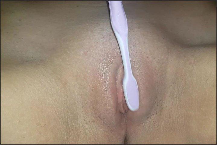 [HD] Toothbrush Masturbation Teasing My Clit And Juicy Pussy - WettyGirl66 - - 00:07:21 | Teen, Teenager - 81,5 MB