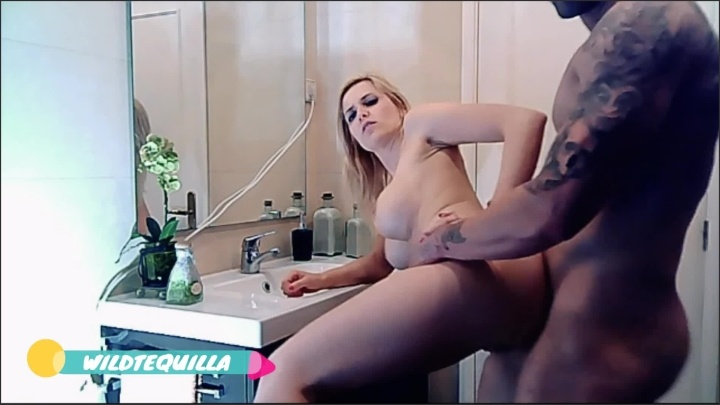 [Full HD] Wildtequilla Hot Sex In The Bathroom - Wildtequilla - - 00:11:57 | Mom, Butt, Young - 243,1 MB