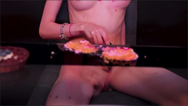[Full HD] Food Fetish Video Naked Girl Eats Messy Covering Her Naked Body With Food - Yukki Amey - -00:21:36 | Eating Food, Messy Food - 453 MB