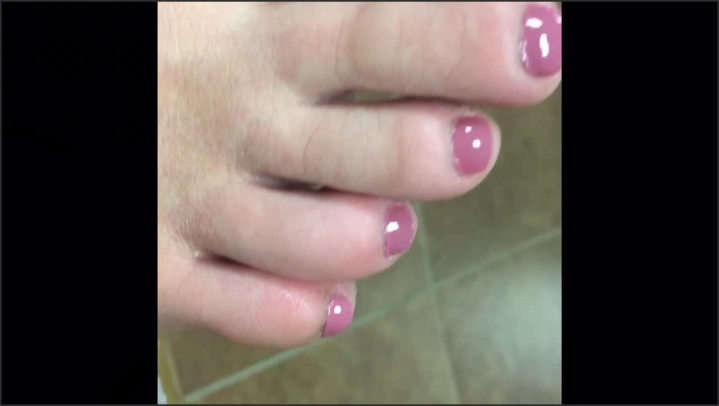 Amber Fun Painted Toes