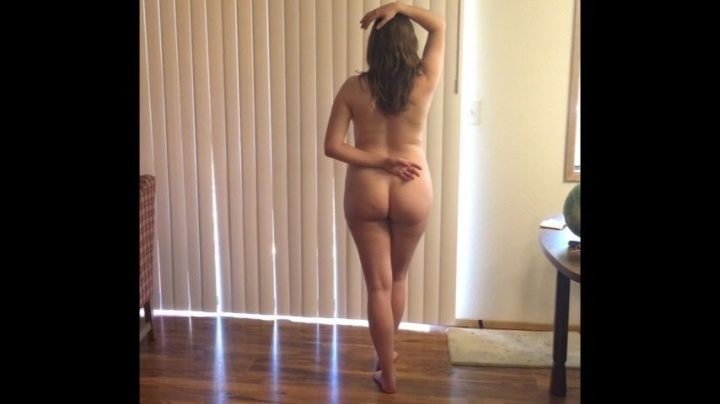 Ameliadays Posing Naked For You