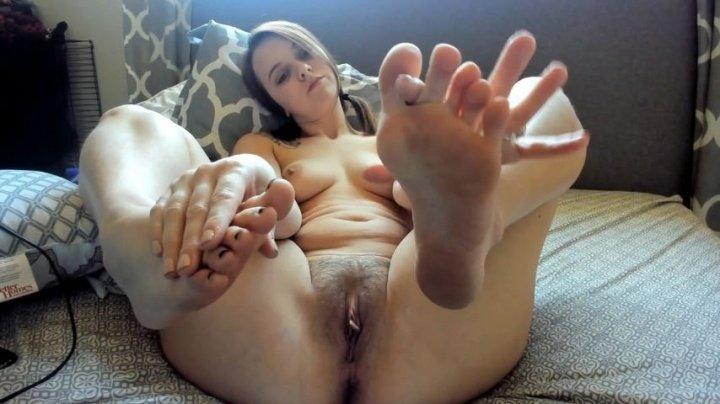 Annah1 Hairy Joi Foot Focus