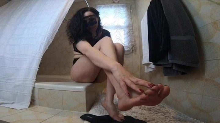 Arabianfemdom On Ur Knees Worship My Ass Like A Little