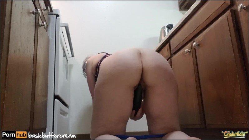 [Full HD] Mega Slut Shows Off Her Cucumbers  - Basicbuttercream - -00:10:11 | Big Booty, Toys - 220,2 MB