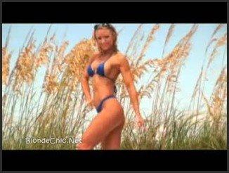 [LQ] Amy Bates At The Beach Flexing Biceps - Blondchic - - 00:12:38   Beach, Blonde - 37,2 MB