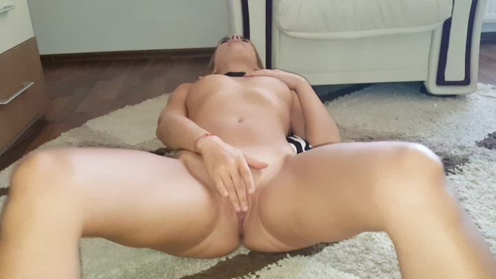 Blueemotion89 Teen Wants His Cum On Her Belly
