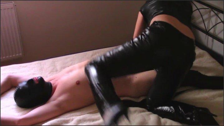 [HD] Lack Pants Facesitting And Handjob - Bondageangel - - 00:13:04 | Female Domination, Femdom Facesitting - 135,6 MB