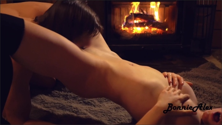 [WQHD] Sex By Fireplace From Real Couple Bonniealex - Bonniealex - - 00:12:18 | Milf, Cumshot, Fireside Fuck - 277,9 MB