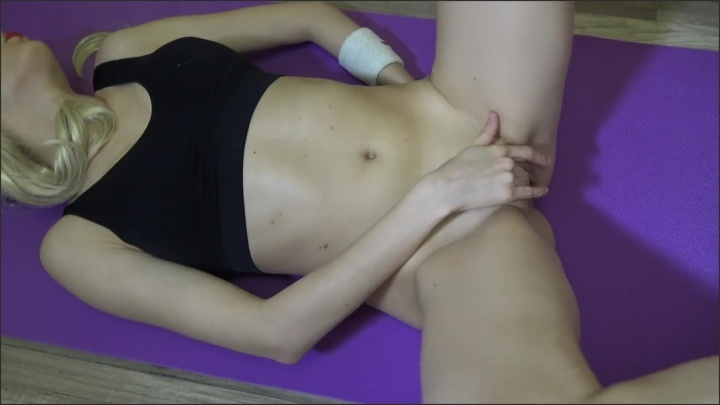[Full HD] Teen Babe Fuck Herself With Dildo On Fitness Ball In The Gym - Chastitylady - - 00:12:33 | Gym Sex, Exclusive - 218,4 MB