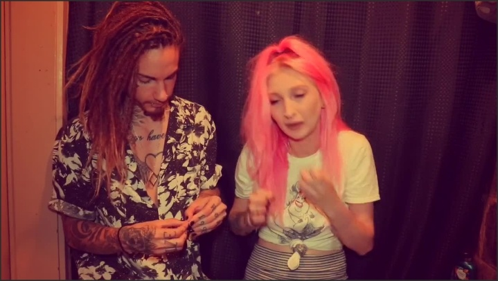 [HD] Smoking Weed Talkin Come Chill With Us - Doalinewithme - - 00:19:04 | Verified Amateurs, Tattooed Women - 209,7 MB