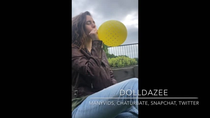 Dolldazee Public Balloon Blow Amp Pop Hd