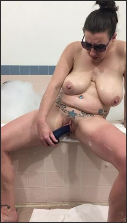 [HD] Hot Tub Hard Fuck Dido And Then Finish With A Real Squirting Cum - Highandhorney22 - -00:18:23 | Toys, Dildo, Female Orgasm - 69,2 MB