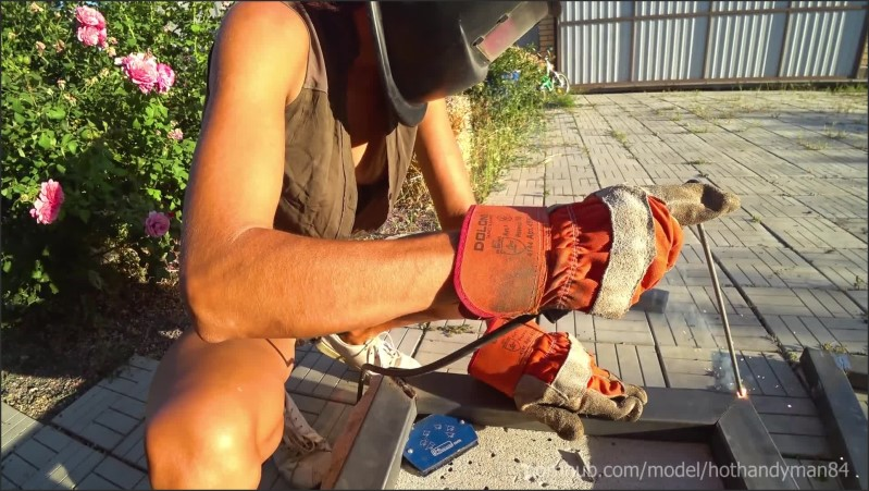 [Full HD] Diy Floating Table 3 Welding Downblouse And Nip Slip 4K Hd Music  - Hothandyman84 - -00:11:21 | Shorts, Small Tits - 391,2 MB
