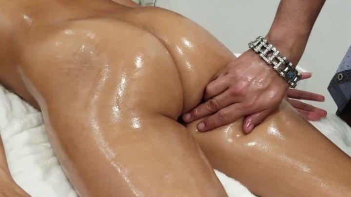 Jada Kai Pervert Gives Me A Massage