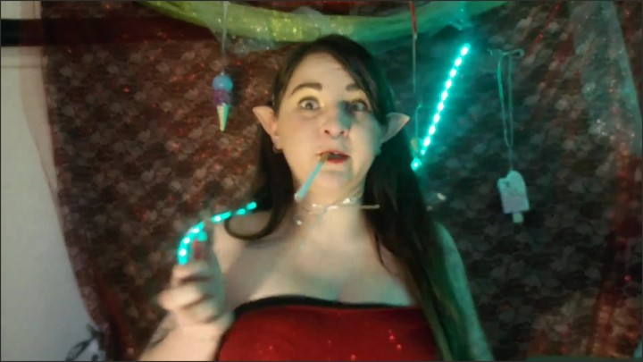 [Full HD] Christmas Elf Dances On Her North Pole And Unwraps Herself Like A Present - Kendalkink - - 00:22:36 | Fantasy Elf Cosplay, Stripper Pole, Elf Cosplay - 655,4 MB