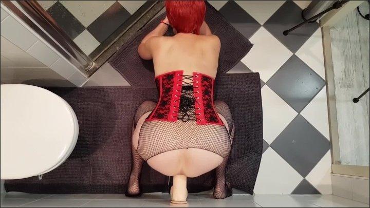 [Full HD] Redhead Gets Slutty In The Bathroom Uncut - Likehuge - - 00:19:44 | Toys, Sitting Dick, Cumshot - 498,9 MB