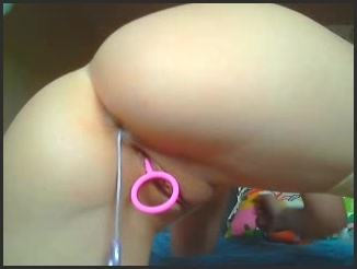 [LQ] Llovers4U2 Teen Girl Pussy And Ass Balls For Daddy - Llovers4U2 - ManyVids - 00:04:01   Size - 20,9 MB