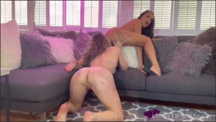 [HD] Amateur Lesbian Pussy Eating Compilation All Sexy Girls - Luckyxruby - - 00:12:06 | Hot Girls Kissing, Sexy Lesbians, Fingering - 125 MB