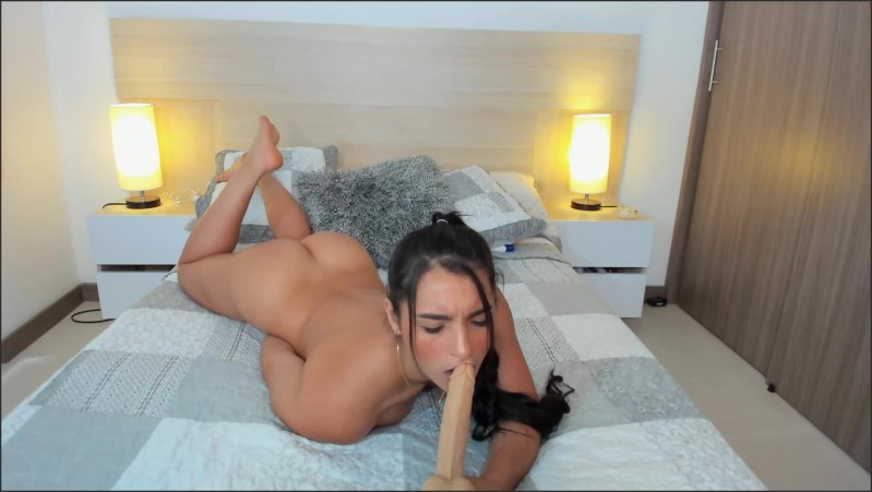 [Full HD] Latina Camgirl With Cute Face Loves To Suck Your Cock - Melanyrosse - -00:08:10 | Daddys Girl, Masturbation, Solo Female - 152,8 MB