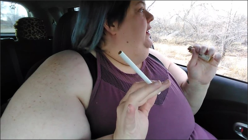 [Full HD] Ssbbw Vlog Smoking Eating Burping In Public While Talking About My Slave  - Mskittydelgato - -00:12:56 | Exclusive, Burping, Smoking - 305,2 MB